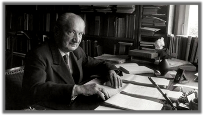 Heidegger am Schreibtisch